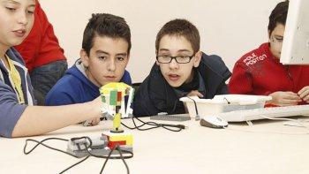 La robótica llega a las escuelas de Chubut.