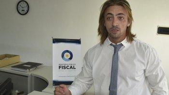 Fabricio Sachi, quien se encuentra a cargo de la fiscalía del Jugado Federal de Caleta Olivia, dijo que esperaba recibir informes de las investigaciones policiales.