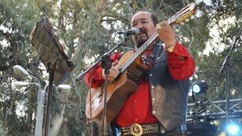El folclorista Juan del Valle falleció ayer. Durante su carrera promovió el folclore a través de festivales, grabó dos discos y representó a la ciudad en el Festival de Cosquín.