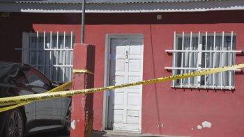 tres hombres irrumpen en su casa de madrugada y lo asesinan de dos tiros