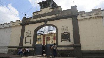 El 21 de diciembre, Elizabeth Aguirre fue a visitar a su pareja, Henry Coronado, al penal de Villa Urquiza en Tucumán, donde el hombre la mató y luego se suicidó.