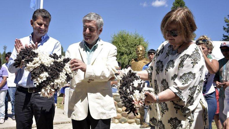 El gobernador presidió las actividades por los 89 años de Gualjaina.