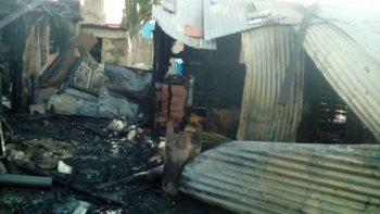 un incendio se cobro la vida de dos ninos de 8 y 10 anos