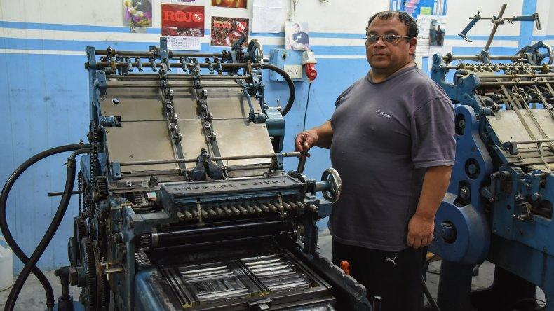 Con altibajos las imprentas mantienen su nivel de demanda en una época de recesión económica y ante la entrada en vigencia de las facturas electrónicas.