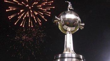 La Copa Libertadores comienza a jugarse esta noche con la disputa de tres partidos.