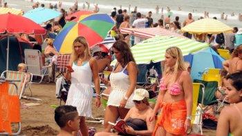 los hoteles cuestan un 40% mas los fines de semana en la costa