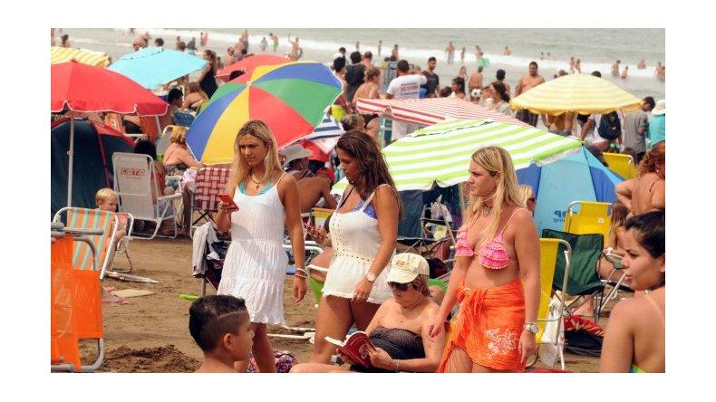 Los hoteles cuestan un 40% más los fines de semana en la Costa