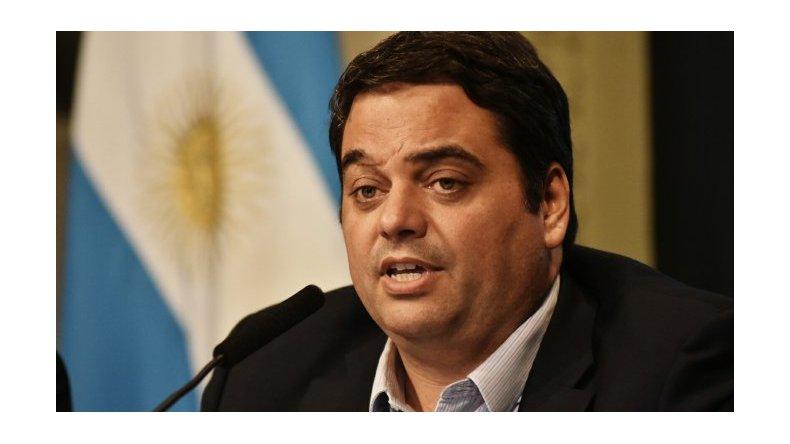 Bancarios escracharon a Triaca por bloquear el acuerdo paritario del sector