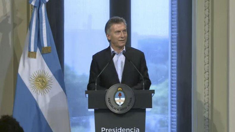 Macri avanza por decreto en la modificación de leyes laborales.