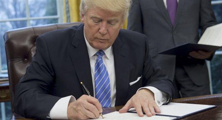 Trump suspendió el programa de admisión de refugiados