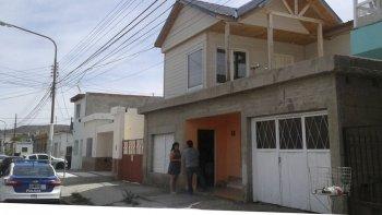 Frente de la vivienda ubicada en la calle Juan José Paso del barrio San Martin, donde su propietario fue asaltado y golpeado por tres desconocidos.
