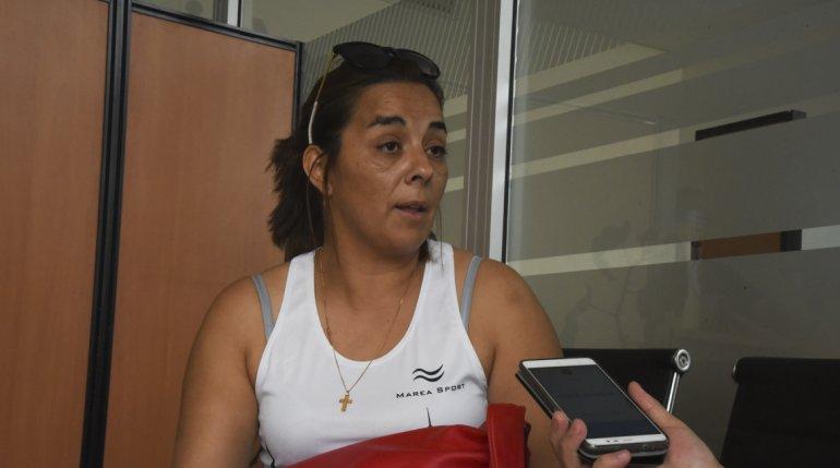 Brenda Millán ayer quiso ingresar droga oculta en la comida que le cocinó a su hijo detenido en la Seccional Tercera.