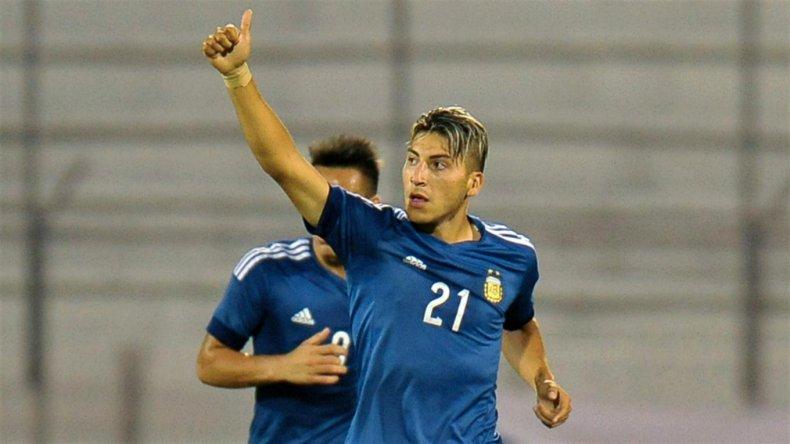 Marcelo Torres marcó anoche dos goles en el sólido triunfo argentino sobre Bolivia.