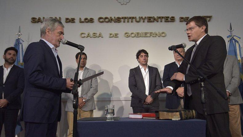 Das Neves puso en funciones a Petersen y Carrasco