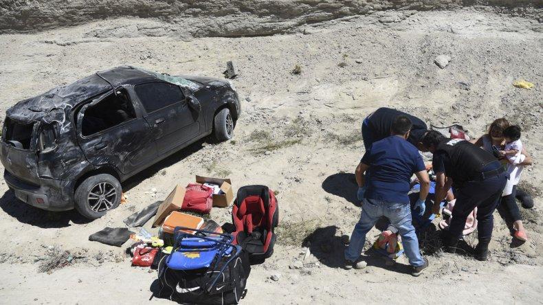 Bebé de ocho meses salió ileso de un vuelco en Cañadón Ferrays