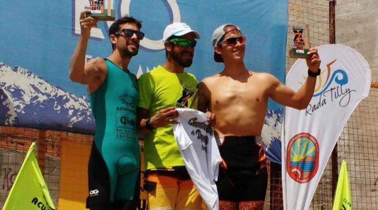 El podio de caballeros del X Terra que tuvo lugar el domingo en Rada Tilly.