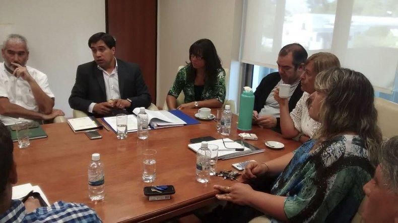 El enuentro del ministro Durán con los diputados que integran la comisión de receso de la Legislatura.