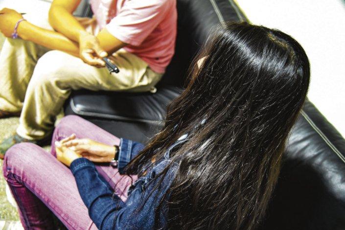 Verónica afirmó que hoy ratificará la denuncia de violencia de género contra el cabo de la Seccional Primera