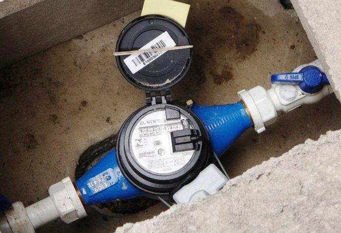 Agulleiro planteó la necesidad de avanzar con la instalación de medidores de agua