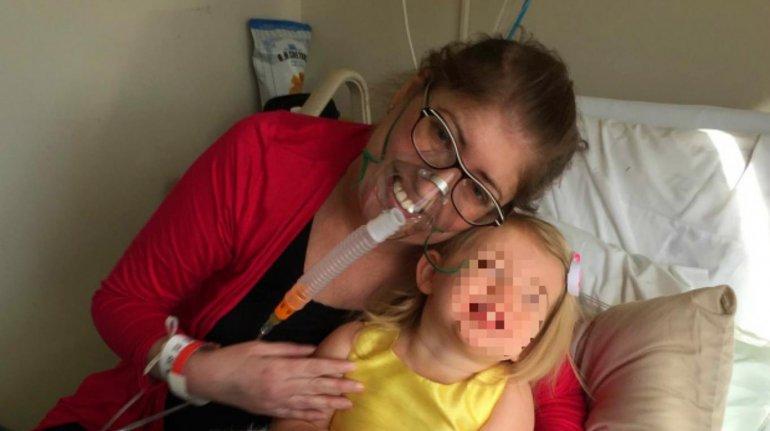 Una mujer vivió seis días sin sus pulmones