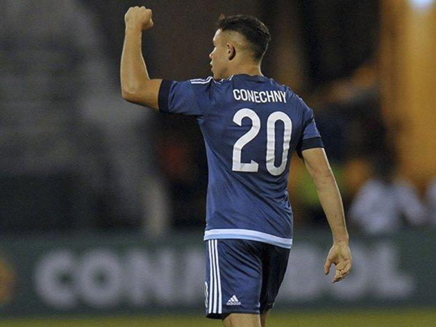 El comodorense Tomás Conechny viene de ser titular y además marcó un gol en el 5-1 de Argentina sobre Bolivia.