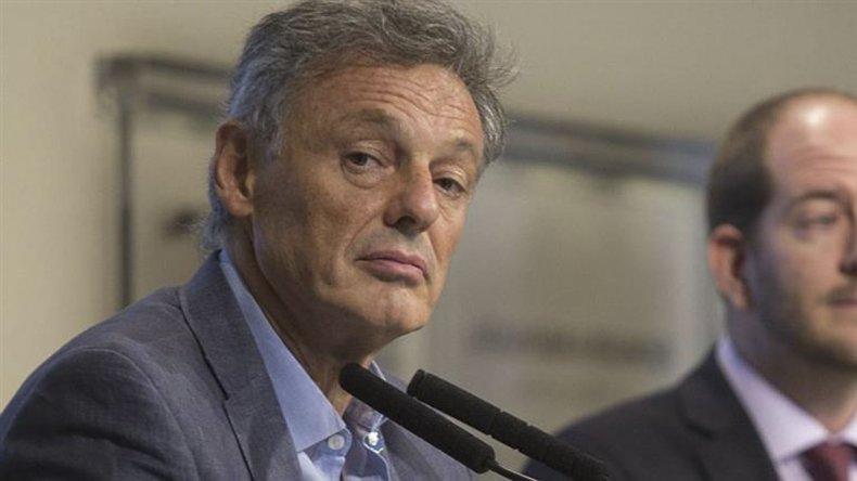 Francisco Cabrera advirtió a los sectores que aumenten precios con abrir importaciones.