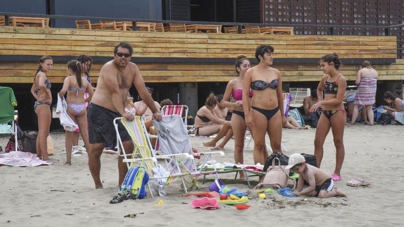 Comodoro y Rada Tilly vivieron una jornada de playa gracias a 34 grados