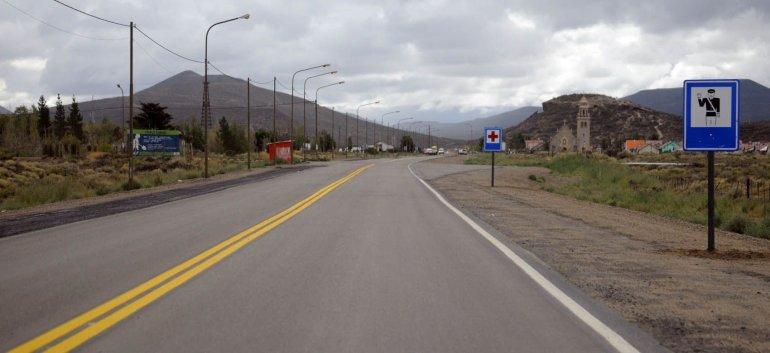 El gobernador Mario Das Neves anunció que hoy a las 12 se licita la obra de ensanche para la Ruta 39.