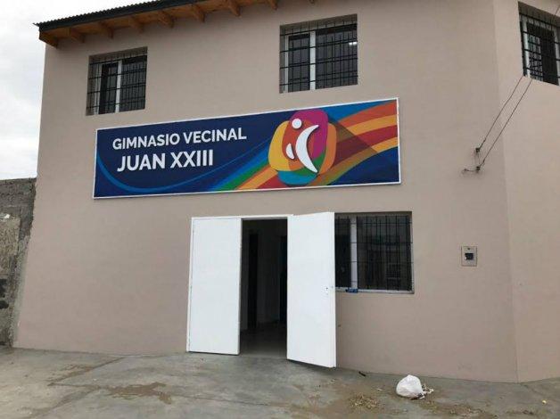 Se inaugura gimnasio del Juan XXIII