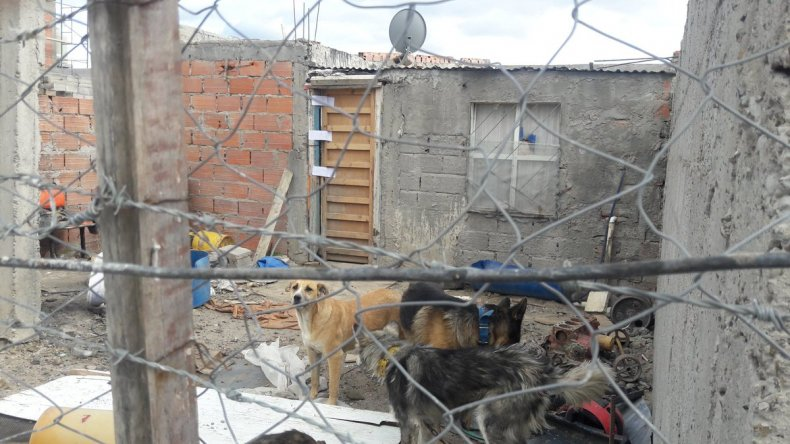 La casa donde encontraron muerta a Débora Martínez.