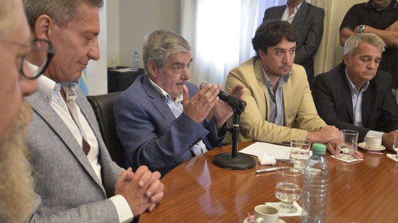 Das Neves presidió la licitación para la pavimentación de la Ruta 39