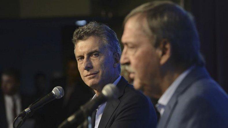 El gobernador Schiaretti también cuestionó la decisión de Mauricio Macri sobre el feriado del 24 de marzo.