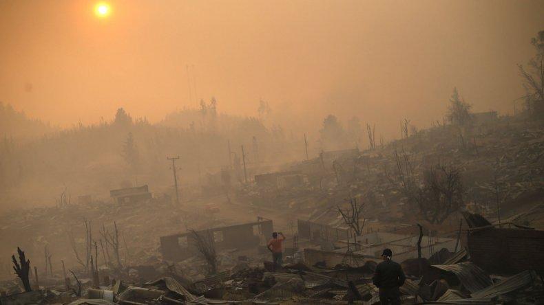 Avanza la investigación por los incendios forestales en Chile.