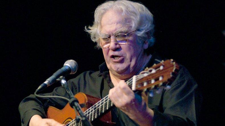 El Tata Cedrón junto a su cuarteto publicó un disco doble con su particular mirada sobre el folclore. Se titula Velay.