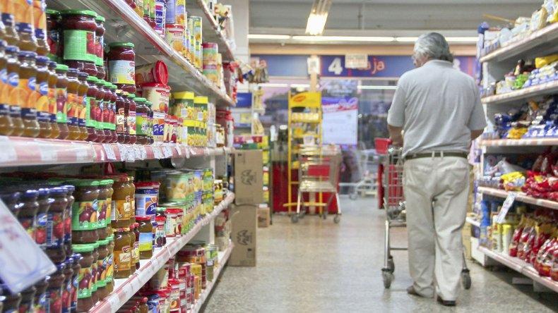 En Argentina se hace cada vez más difícil comprar con el salario mínimo