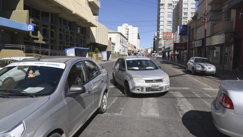 Acuerdo con remiseros: habrá control policial en once puntos de la ciudad