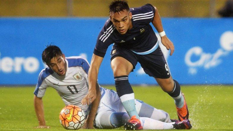La Argentina no pudo con Uruguay y fue goleado en Ecuador.