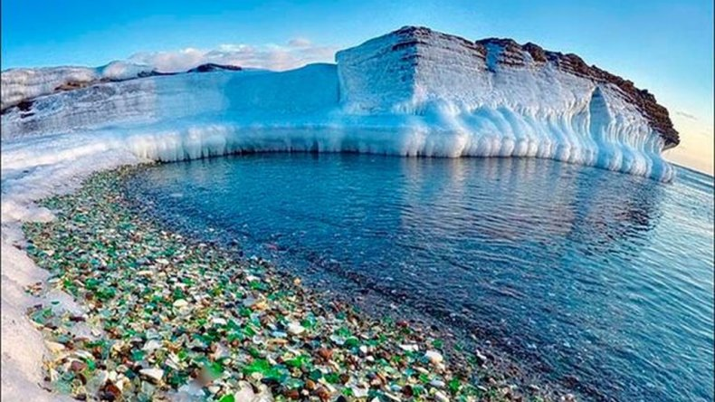 La naturaleza transformó un basural en una de las playas más bellas del mundo