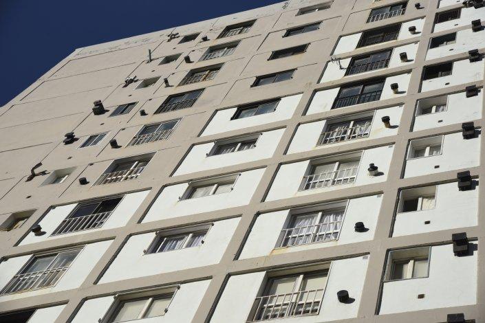 La bronca entre los inquilinos de la Torre II no se disimulaba luego de que les quitaran los medidores de gas.