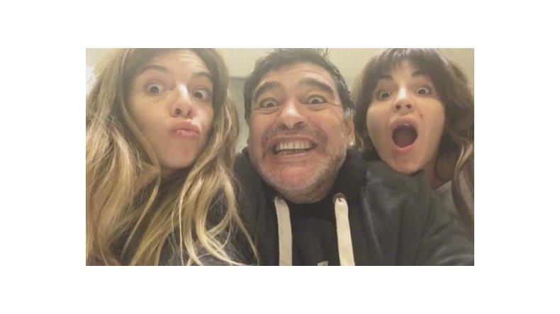 Diego Maradona: Dalma y Gianinna están sobre Claudia Villafañe