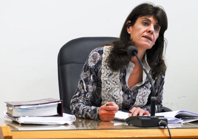 La juez Tassello fue cuestionada por liberar a dos de los tres detenidos por el crimen de Schmidt. Fueron los que se llevaron las cámaras de vigilancia de la agencia de remis.