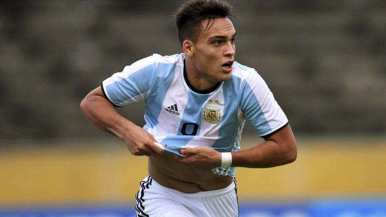 Lautaro Martínez festeja el segundo gol de la Sub 20 albiceleste ante Colombia.