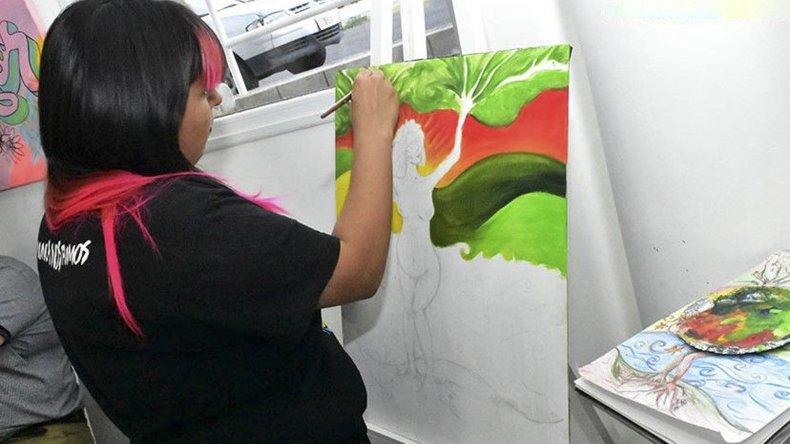El evento en homenaje a la madre tierra incluyó la participación de artistas plásticos