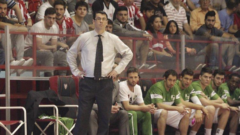 Por teléfono se despidió Gustavo Miravet de Atenas de Córdoba.