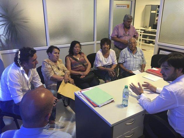 Los representantes de los distintos centros de jubilados de Puerto Madryn llevaron su inquietud a Ignacio Torres