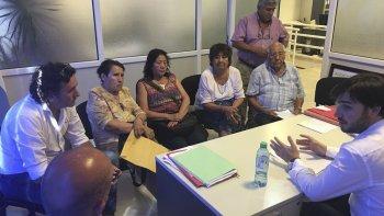Los representantes de los distintos centros de jubilados de Puerto Madryn llevaron su inquietud a Ignacio Torres, director Ejecutivo de PAMI, quien gestionó la contratación de profesionales.