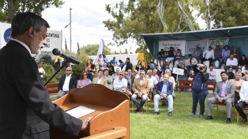 Dirigentes ruralistas repasaron su agenda para que las autoridades políticas presentes tomaran nota.