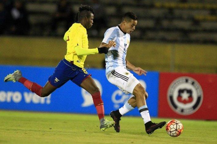 Argentina cayó 3-0 con Ecuador y está complicada para el Mundial