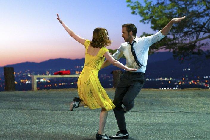 Ryan Gosling –Sebastián– y Emma Stone –Mia– protagonizan La La Land