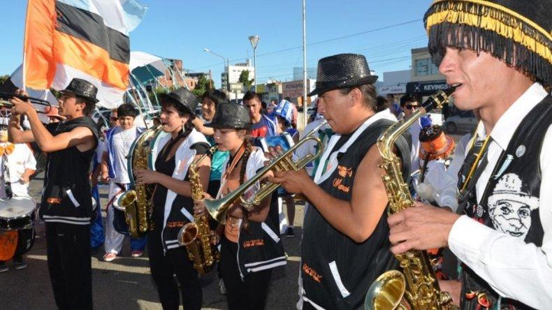 El sábado 18 y domingo 19 de febrero en la avenida Fagnano del barrio 26 de Junio se celebrará el Carnaval de Caleta Olivia.